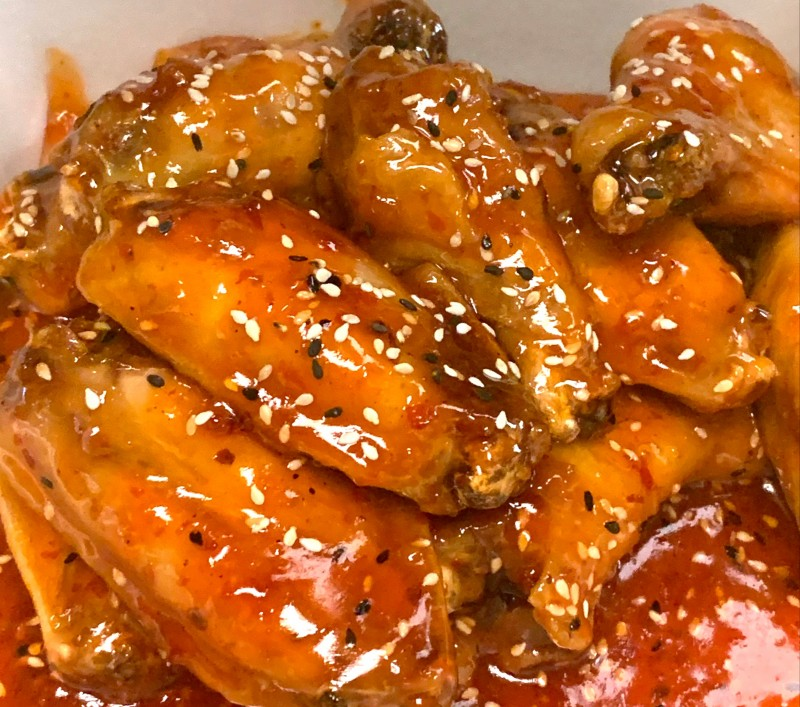 Chicken Hot Wings with Thai Chili Sauce (10 Pieces) rounded-0